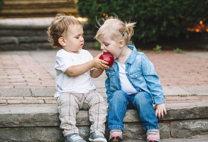 Çocuklar paylaşmayı